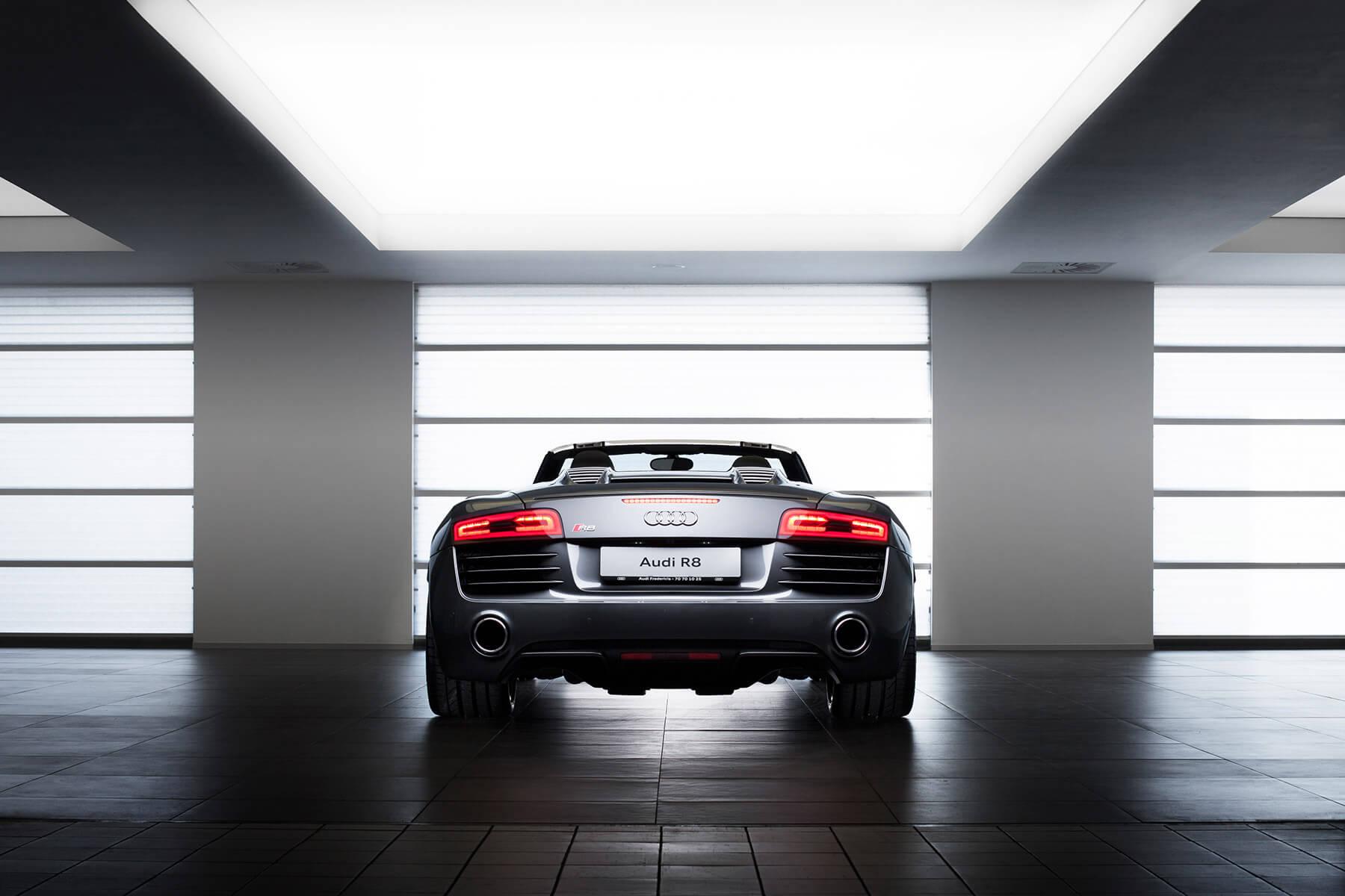 Audi R8 V10 Spyder rear 01