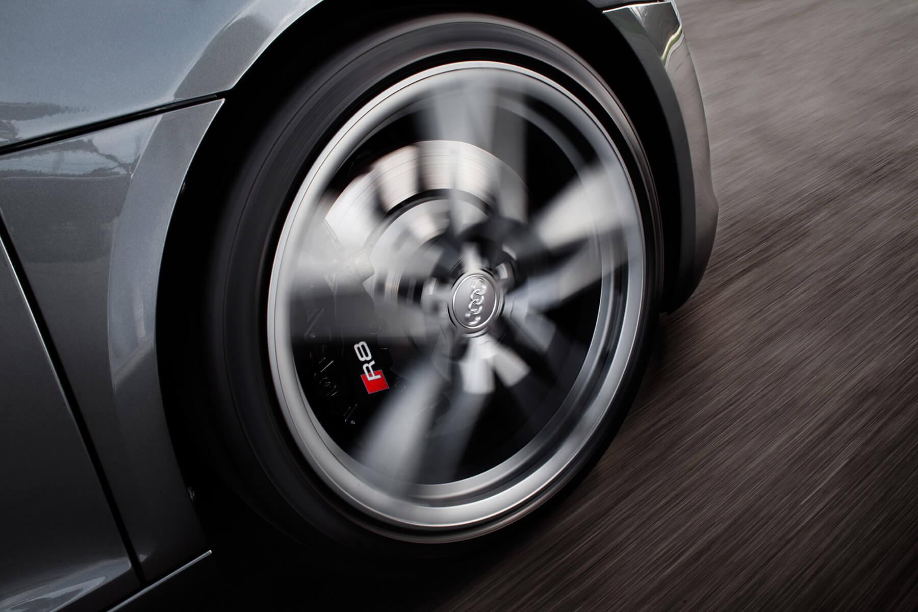 Audi R8 V10 Spyder front rim