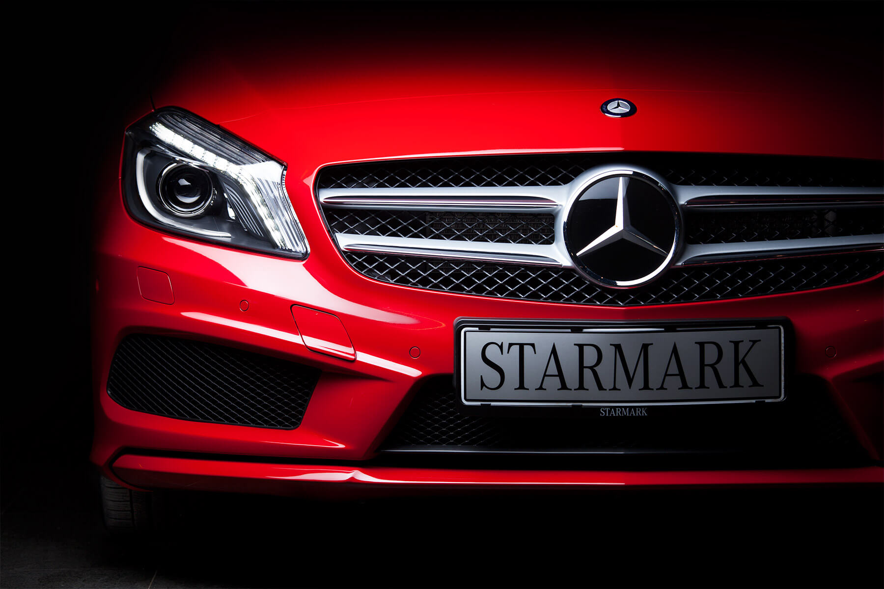 Red Mercedes Benz A250 front - Starmark