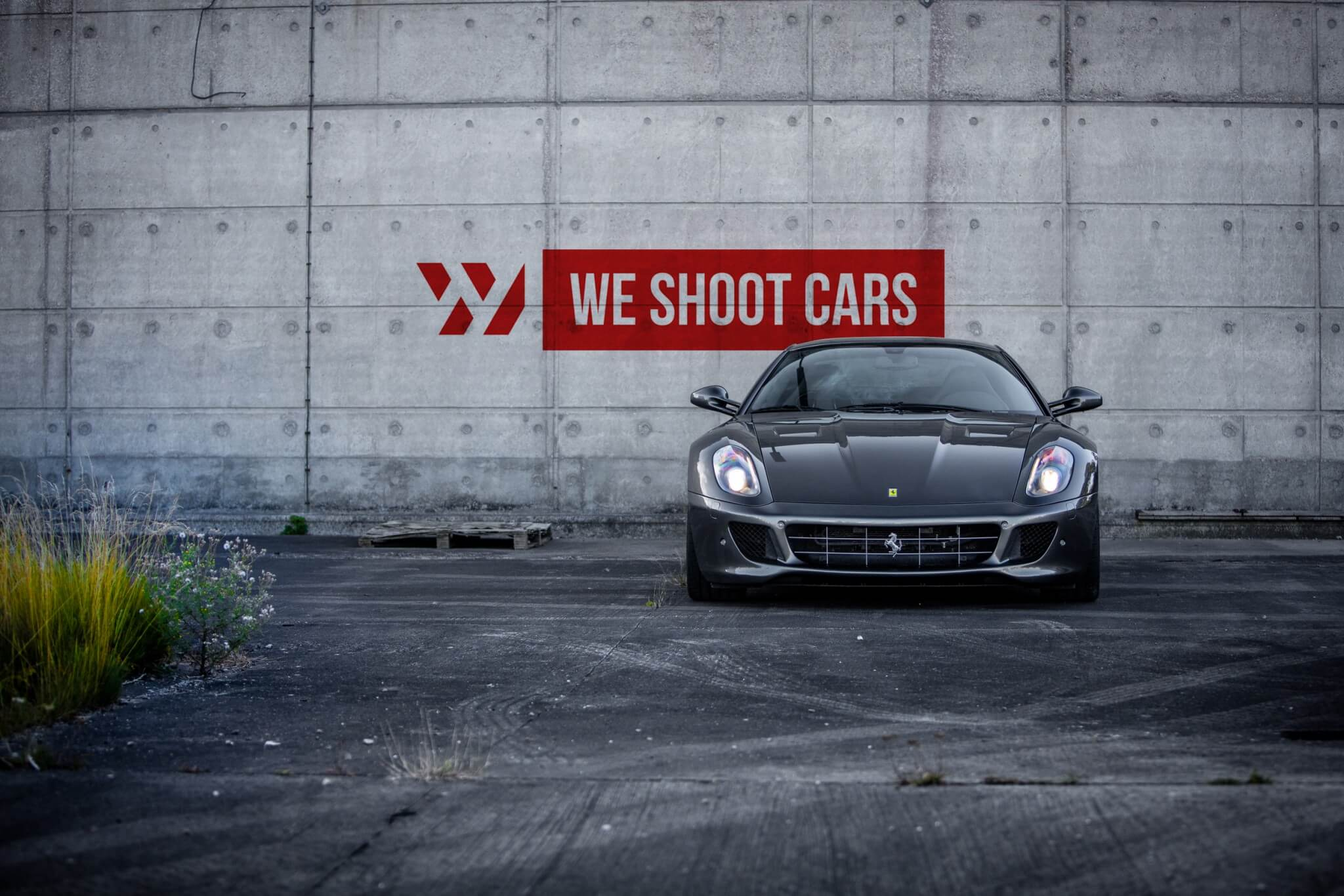 WSC logo on a grey Ferrari 599 GTB photo